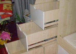 Lépcső-tároló-gyermek-bútor